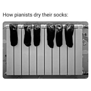 pianists-drying-socks